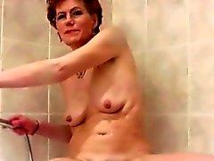 Sale de Granny rase la Her poilue Vagina
