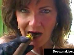 Smoking Hot Cougar Deauxma Bangs Her Cunt & Ass With A Cigar