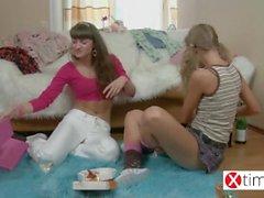 Ninfette lesbiche dalla madre patria Russa!
