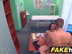 Поддельные больницы Врачи толстый член тянется горячий португальский