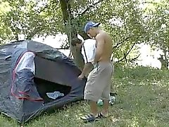 Sex кемпинг во wood.flv
