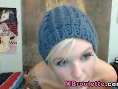 Glamorous blond Kathia Nobili har vilda solo onani