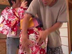 incontro selvaggia con di due cocks for arrogante di Yuna Shiratori