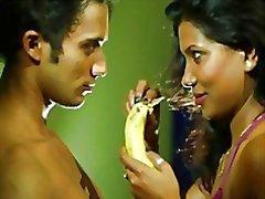 indian hustru bedrar maka