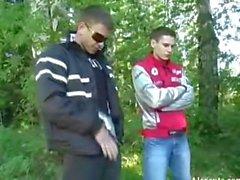 четырех российских парней минет в лесу
