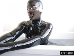 Hot pornstar latex con corrida