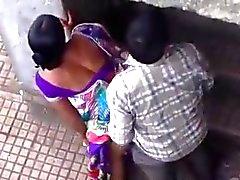 Hidden cam Voyeur Desi Paare gefangen
