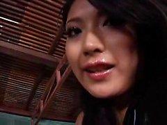 Ravishing japonês babe com um asno celestial passeios um mascarado