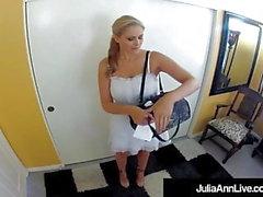 Azgın Sıcak Milf Julia Ann Hemşire Üniformalı Sert Hasta Bangs