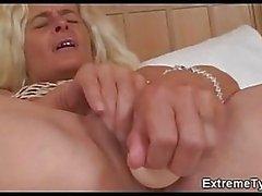Необычный секс чертовски мочи отверстий
