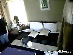 mis la mama rubia jugaba en la habitación