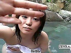 Subtitulado handjob de Japón grupo de del POV baños mixtos aire libre