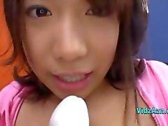 Азиатские девушки аппликатурами Fingered выебанная с вибромашины брызгает О Пол в Roo
