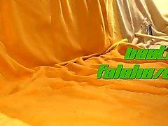Riesigen Dildo Footjob - Gebundenes Falaka und Esel Toying
