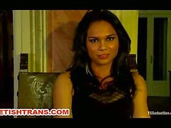 Hot Brand Transsexual Diva Punishes a Guy