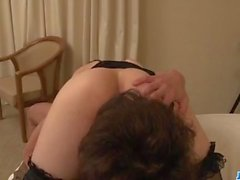 Ursnygg kvinna, Miku Ohashi, behandlar kuk perfekt
