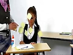 baby-sitter innocence punit l'enseignant