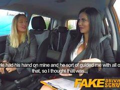 Gefälschte Driving School Lesbensex mit heißer australischer Babe und vollbusigem MILF