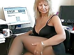 Secretário Housewife Fingering seu bichano maduro