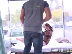 Incrível Nora Luxia Faz Sexo Na Frente Da Torre Eiffel