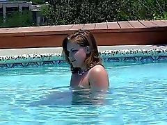 Amateur Teen Lesben Essen einen rosa Pussy auf der Pool-