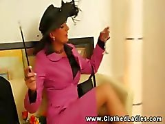 Euro glamour babes zuigen en neuken en kan niet genoeg krijgen