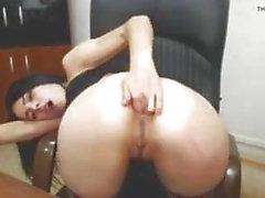 main dans le cul