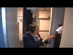 Стюардесса - нарушает - Горячую мастурбирует важна при малых напряжениях Аэроплан