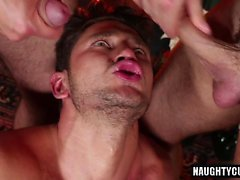 threesome gay quente e facial