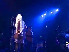 Taylor Momsen Lésbicas Bailar en directo