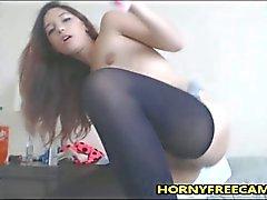Tiny 18yo Multi Squirter se masturba
