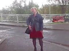 Busty Seksi anneler cek taksi içinde Sabit sikikleri