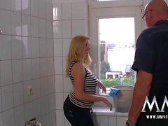 MMV FILMS Unter der WC Behandlung
