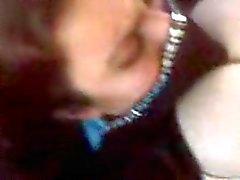 Arabische vrouw met enorme tieten wordt geneukt