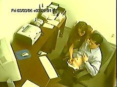 Офисная шлюха дрочит сотрудничество работника на кулачка