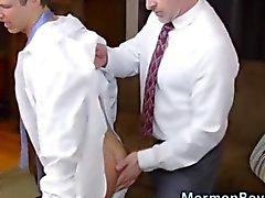 bishopen straffas mot äldre rumpa