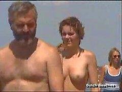 A Zandvoort olandese mare di Topless nudisti tette dodici