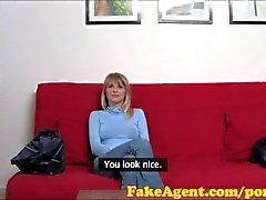 FakeAgent Sehr große Nippel mich lächeln lassen