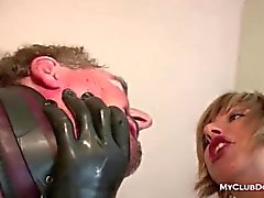 Dominadora madura ama de abofetearla Esclavo