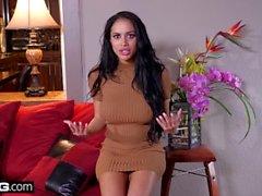 Victoria June gets a surprise pussy massage
