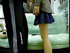 amici coreano coppia fare sesso sul divano a due