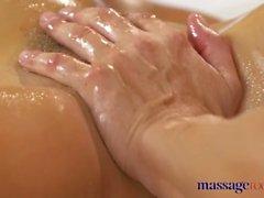 Massage Zimmer Anal Saft Ficken für sexy junge gebräunte russische Babe