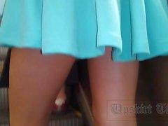 Levantar la falda y la grabación de vídeo upskirt