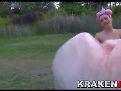 Krakenhot - Public BDSM mit einer harten Braut