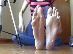 So verschwitzt So Smelly! Große Füße !!