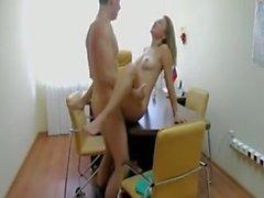Passionerat sex på kontoret