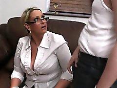 Er bumst HEISSE große Titten Dame Uniform