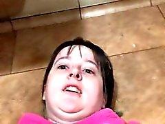 Sabrina Renegade Bathroom kerroksessa Analyysi sekä Klitoris peli