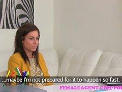 FemaleAgent. Lesben Fantasie auf der Casting Couch erfüllt