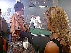 Luana Borgia - francês esposa fodida por dois caras